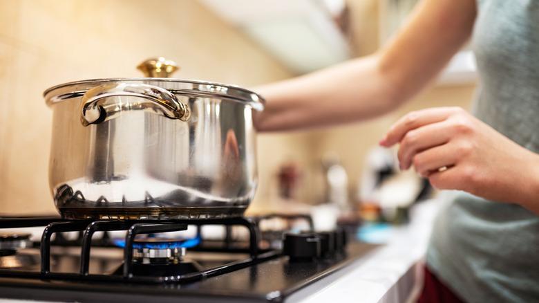 gas stove burner pot boil