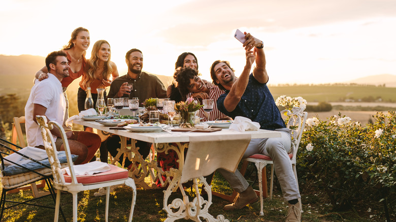friend group outdoor dinner
