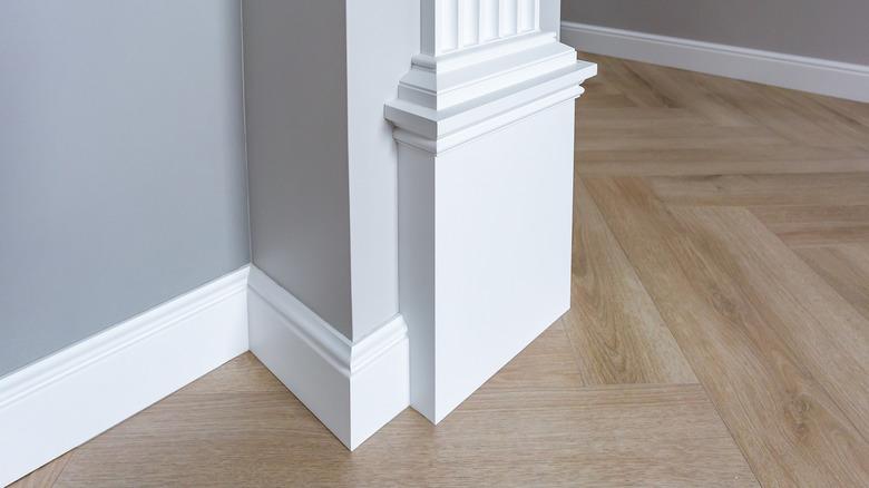 baseboard trim house floor
