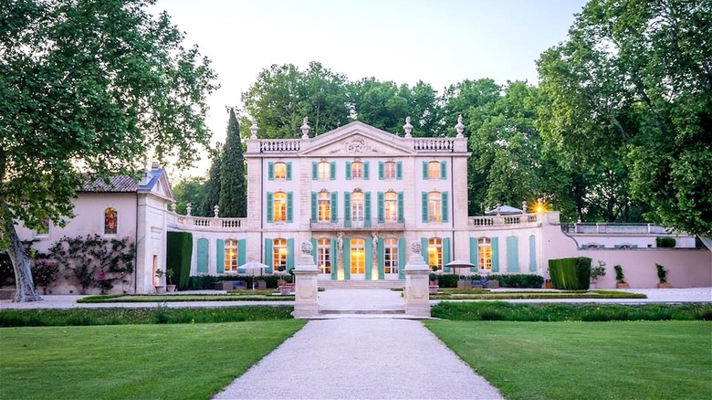 A French castle of RHOBH fame