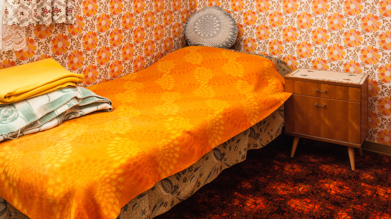A 1970s style bedroom