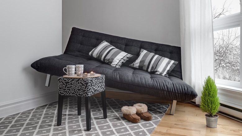 sofa that doesn't fit in space