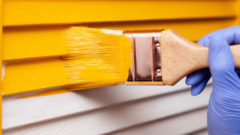 painting house exterior yellow